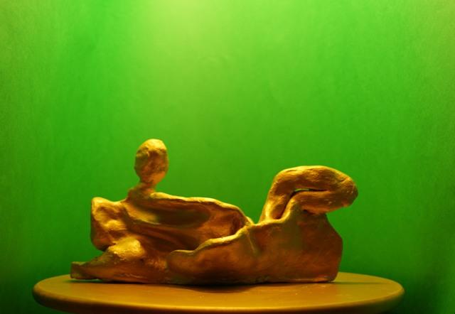 חימר צבוע זהב